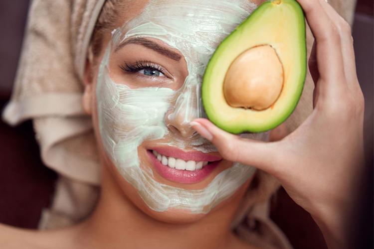 انواع ماسک صورت برای پوستهای چرب