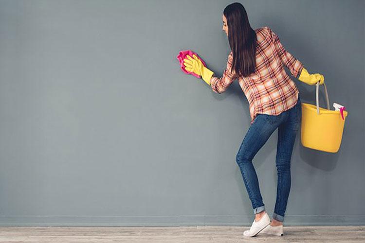 روش های بی نظیر برای تمیز کردن دیوار و سقف