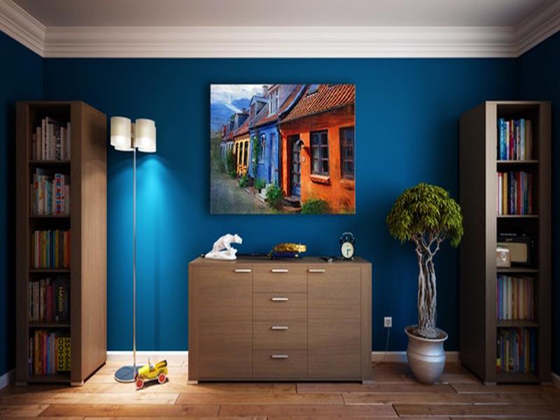 آبی سلطنتی در نقاشی ساختمان