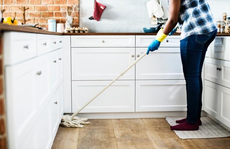 سوال کاربران: قیمت نظافت منزل در آچاره