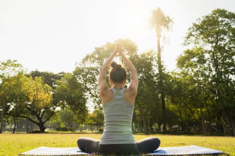 یوگا چه ورزشی است