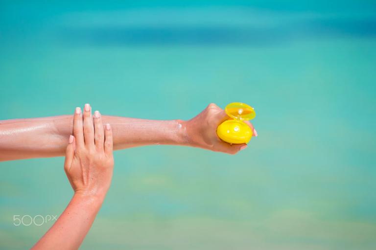 چگونه یک ضد آفتاب خوب بخریم؟