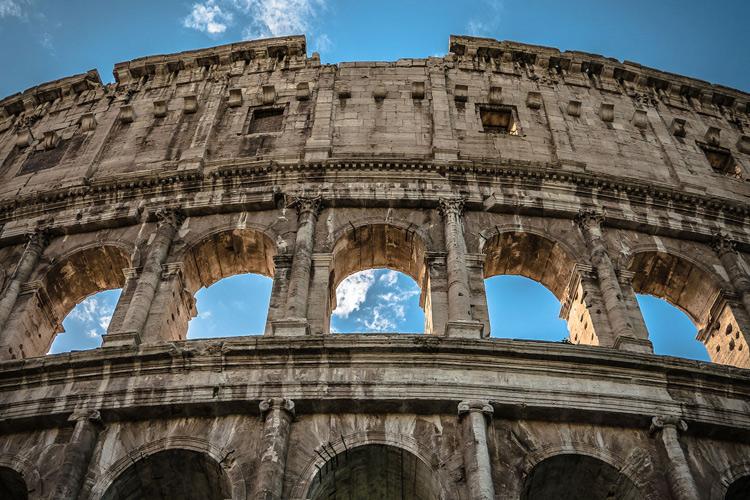 تاریخچه بنایی ساختمان آچاره