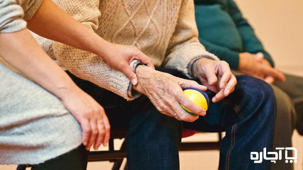 استخدام پرستار تمام وقت سالمند در منزل با شناخت کامل