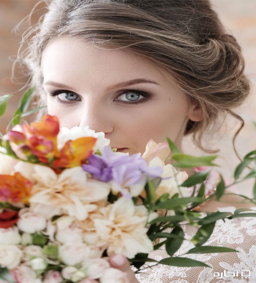 از رژ لب های پررنگ در آرایش صورت عروس استفاده کنید